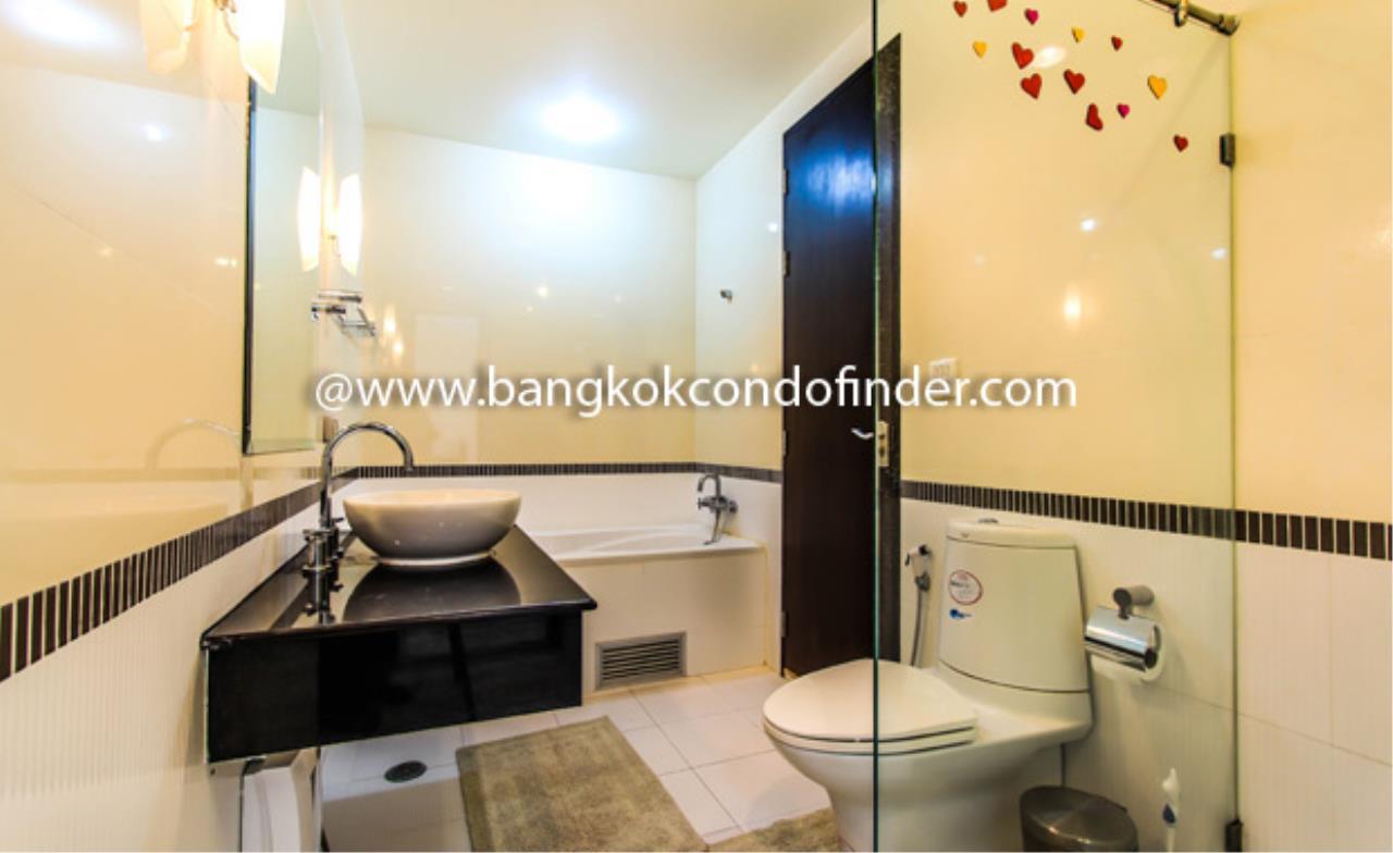 Bangkok Condo Finder Agency's Baan Klang Krung Siam-Pratumwan Condominium for Rent 2