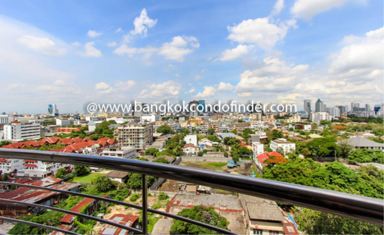 Bangkok Condo Finder Agency's Supalai Place Sukhumvit 39 Condominium for Rent 2