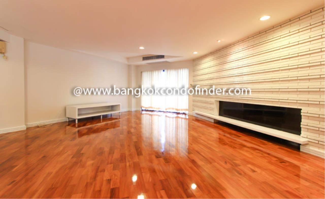 Bangkok Condo Finder Agency's Cosmo Villa Condominium for Rent 1