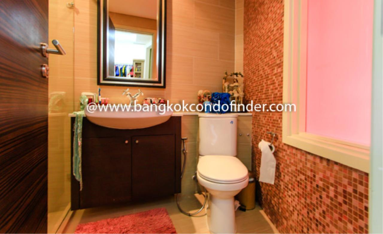 Bangkok Condo Finder Agency's Watermark Chaophraya River Condominium for Rent 2