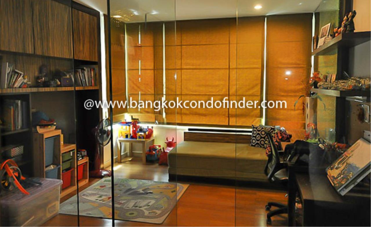 Bangkok Condo Finder Agency's Watermark Chaophraya River Condominium for Rent 10