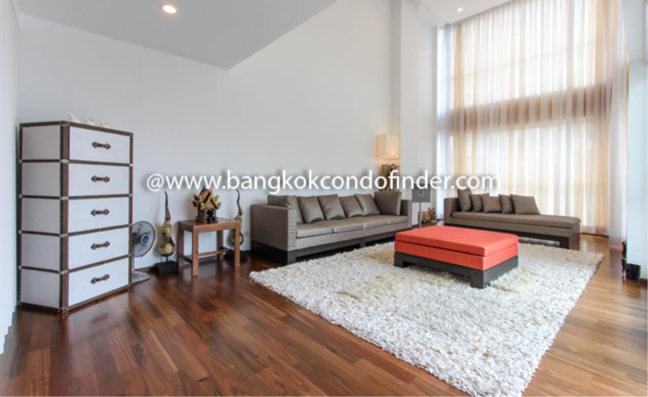 Bangkok Condo Finder Agency's The Rajdamri Condominium for Rent 1
