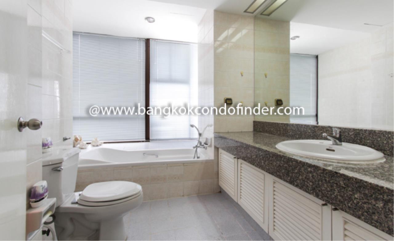 Bangkok Condo Finder Agency's Baan Yenakard Condominium for Rent 4