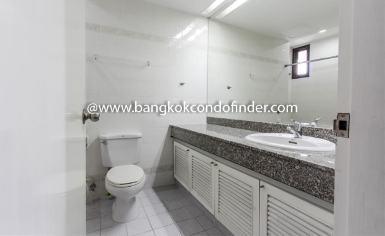Bangkok Condo Finder Agency's Baan Yenakard Condominium for Rent 5