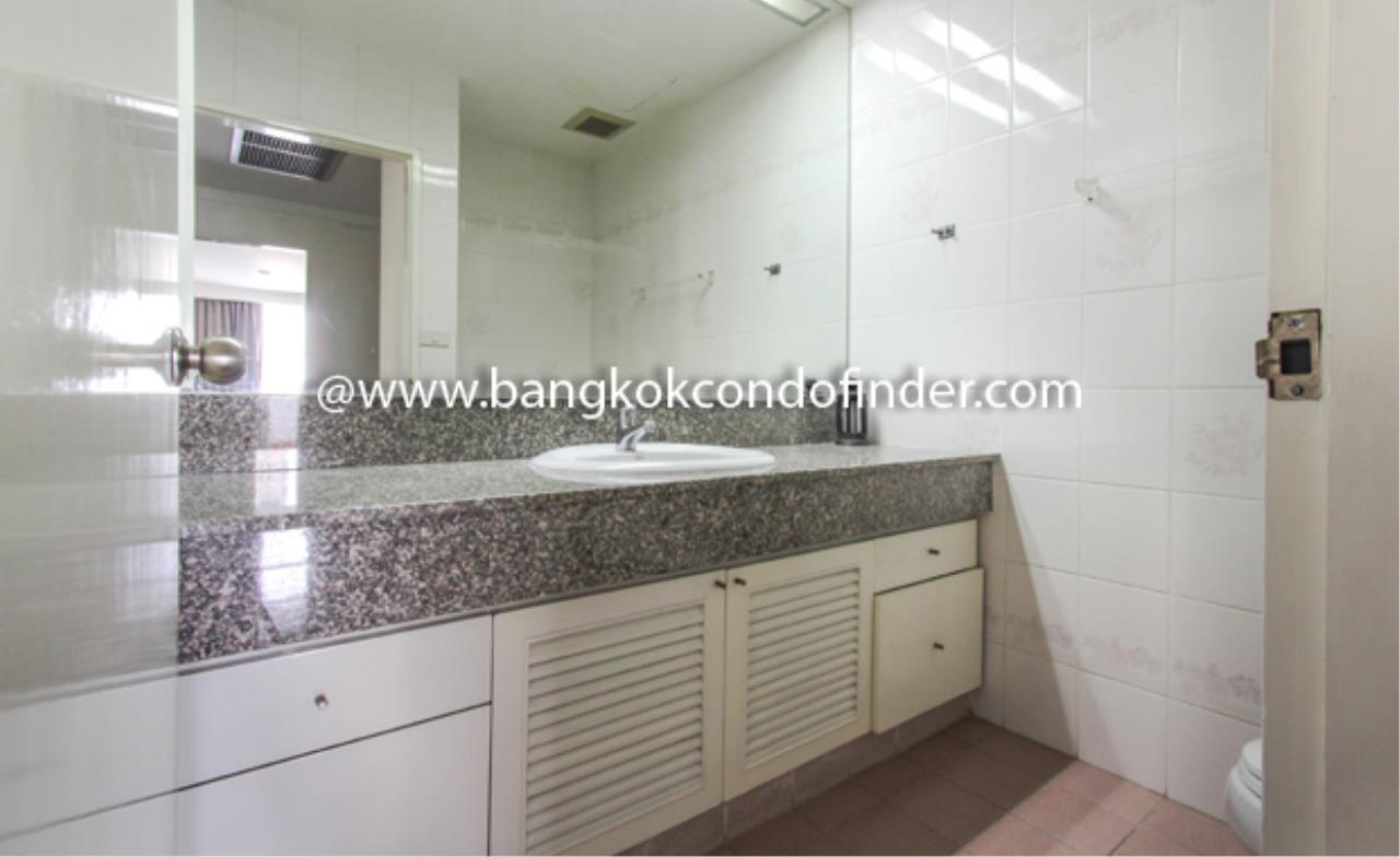 Bangkok Condo Finder Agency's Baan Yenakard Condominium for Rent 3