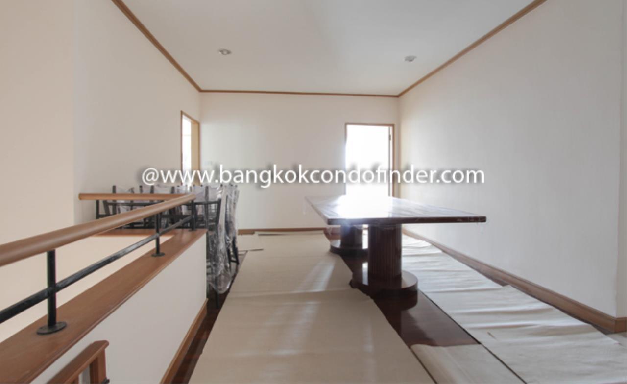 Bangkok Condo Finder Agency's Baan Yenakard Condominium for Rent 13