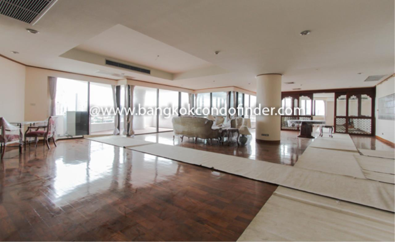 Bangkok Condo Finder Agency's Baan Yenakard Condominium for Rent 14