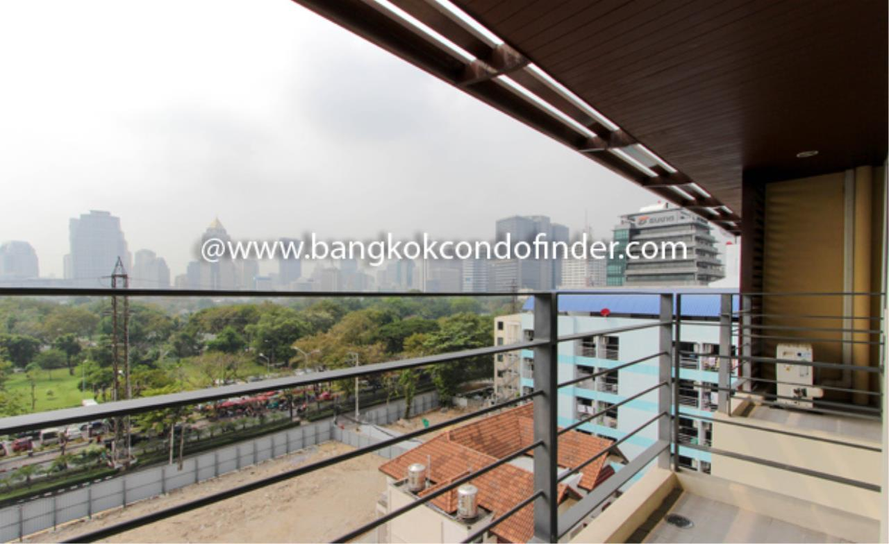 Bangkok Condo Finder Agency's Tropical Langsuan Condominium for Rent 2