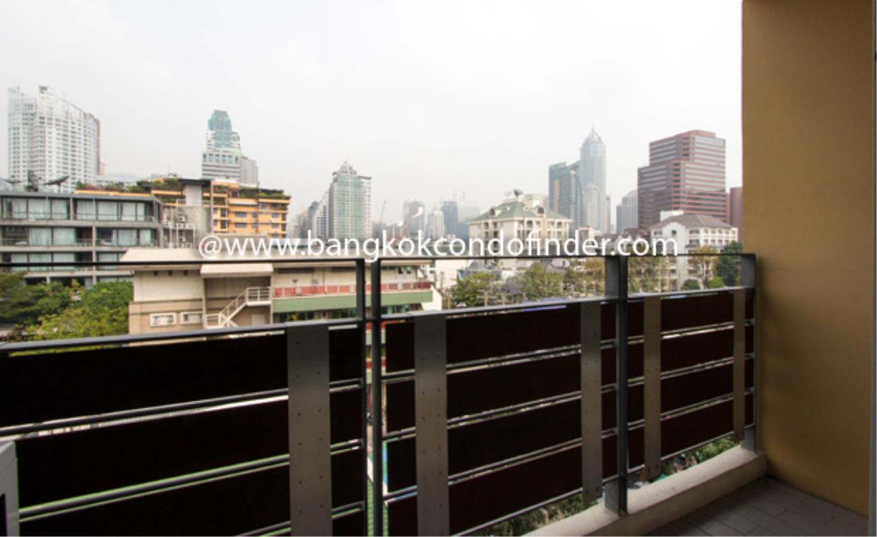 Bangkok Condo Finder Agency's Tropical Langsuan Condominium for Rent 2