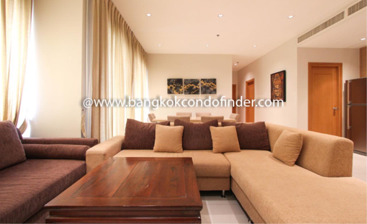 Bangkok Condo Finder Agency's The Emporio Place Sukhumvit 24 Condominium for Rent 1