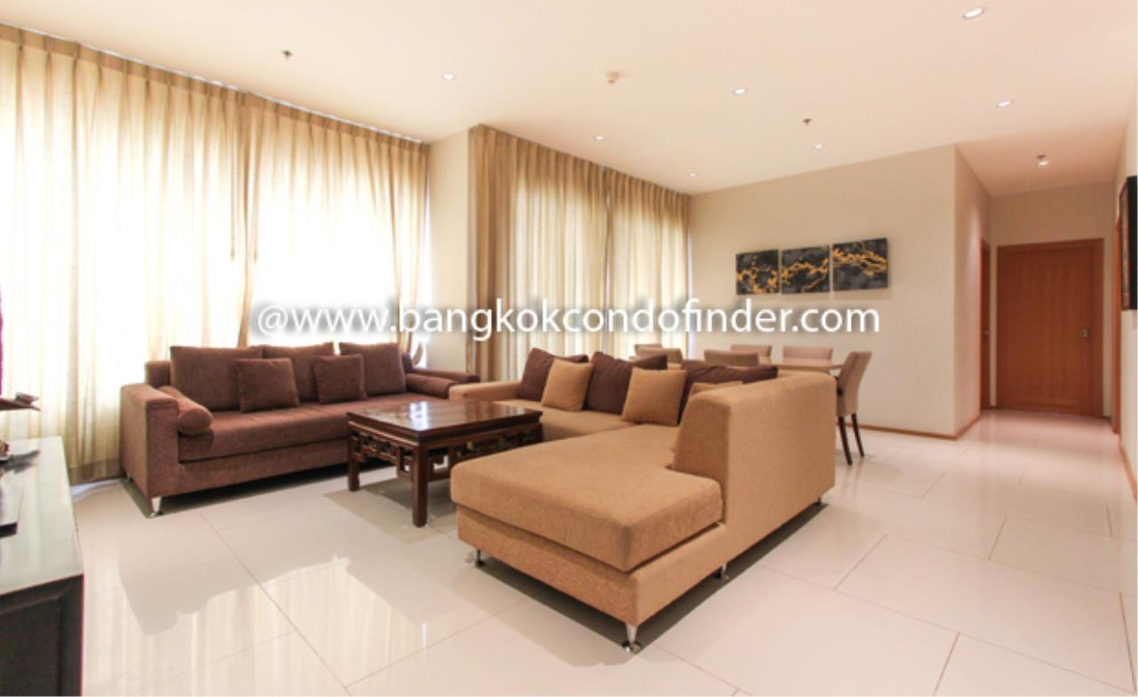 Bangkok Condo Finder Agency's The Emporio Place Sukhumvit 24 Condominium for Rent 10
