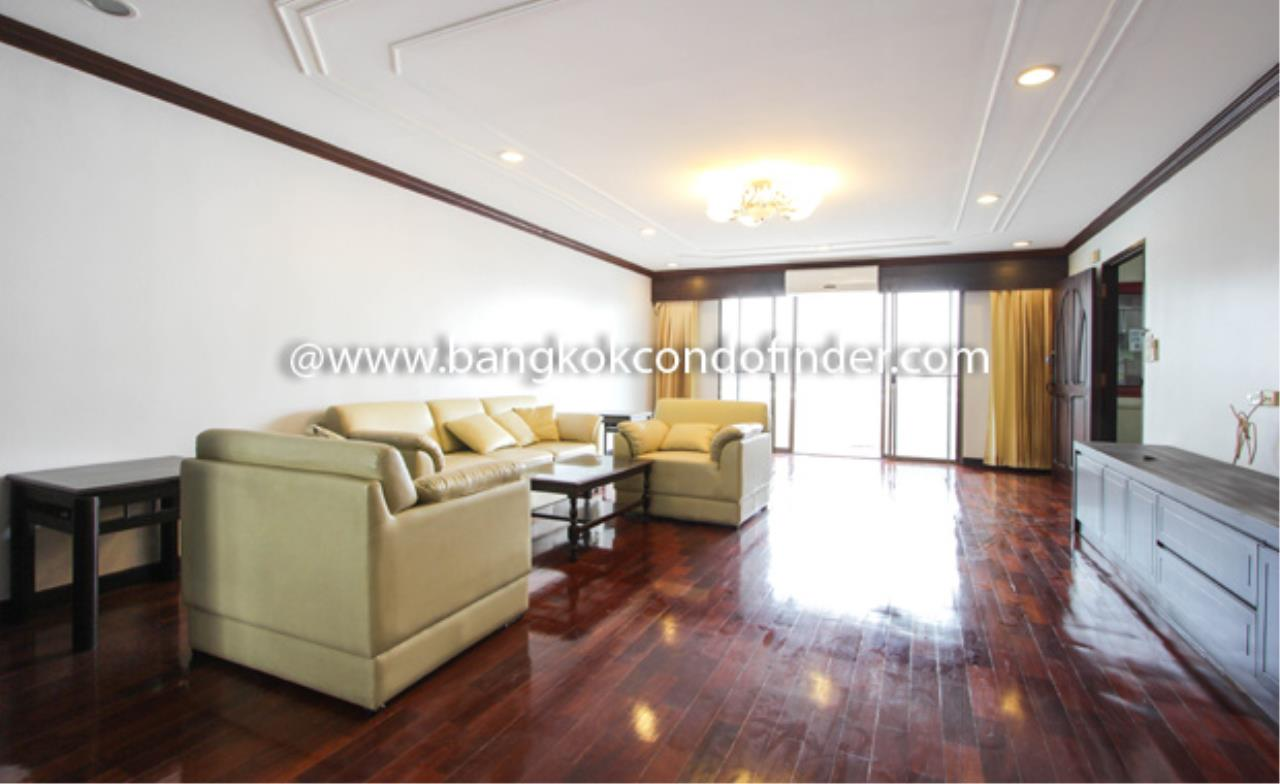 Bangkok Condo Finder Agency's Regent on the Park I Condominium for Rent 1