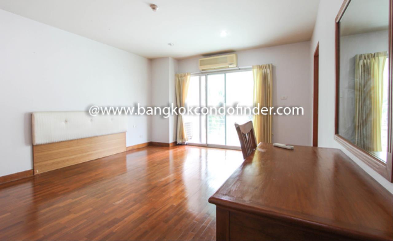 Bangkok Condo Finder Agency's Baan Wannapa Apartment for Rent 5