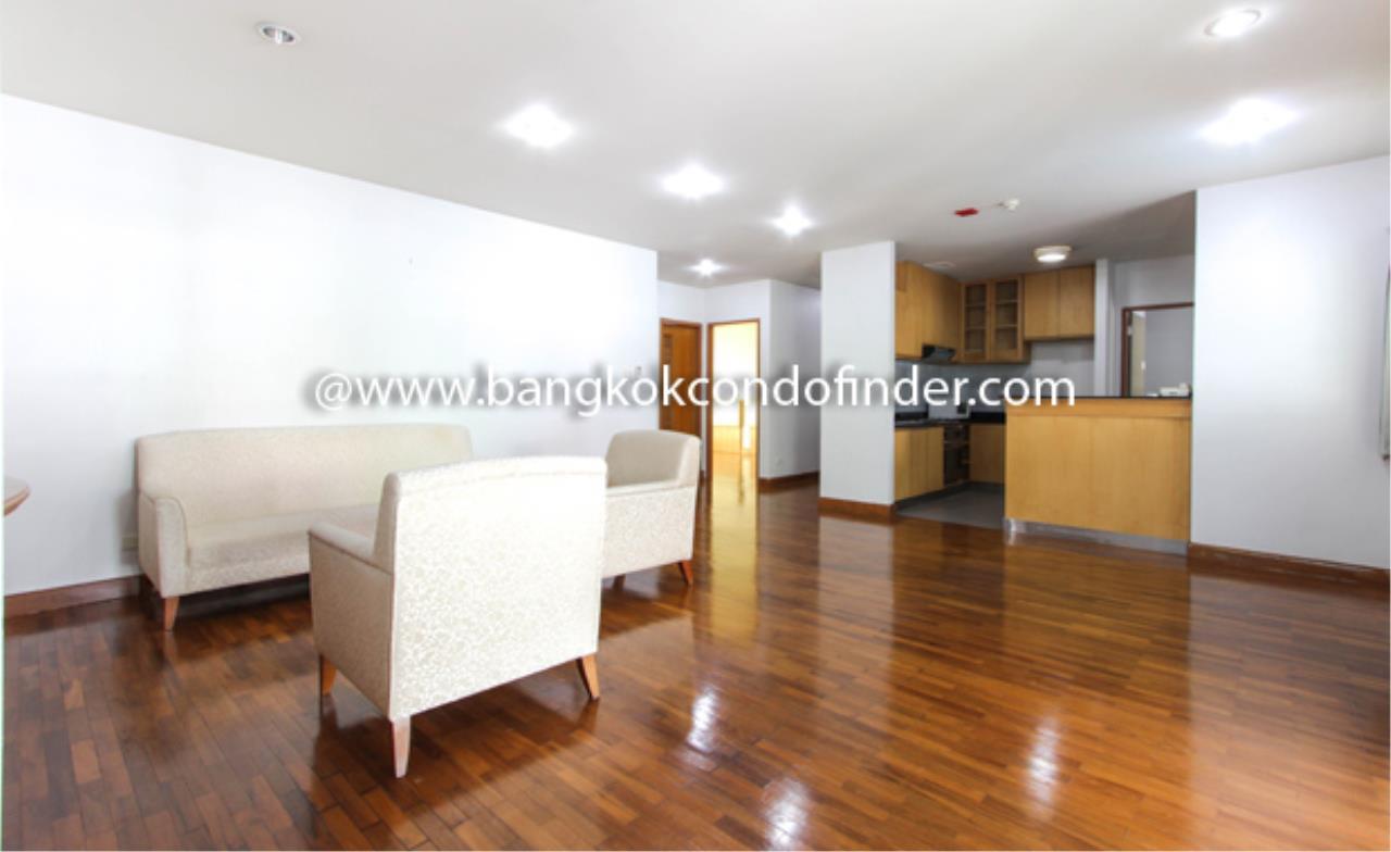 Bangkok Condo Finder Agency's Baan Wannapa Apartment for Rent 1