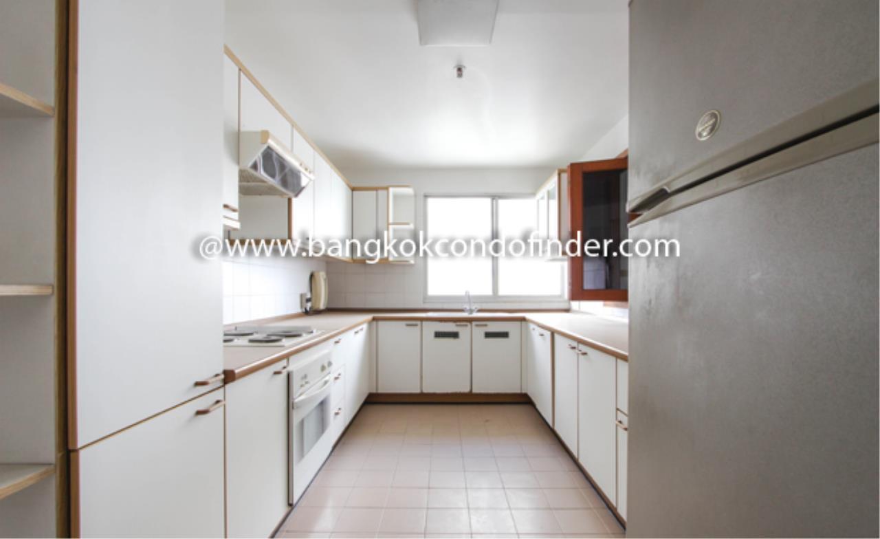 Bangkok Condo Finder Agency's Sathorn Park Place Condominium for Rent 10