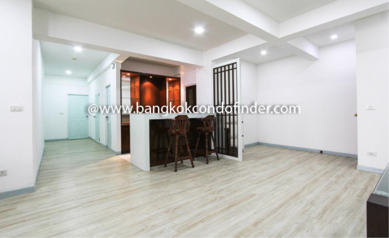 Bangkok Condo Finder Agency's Prompong Mansion Condominium for Rent 11