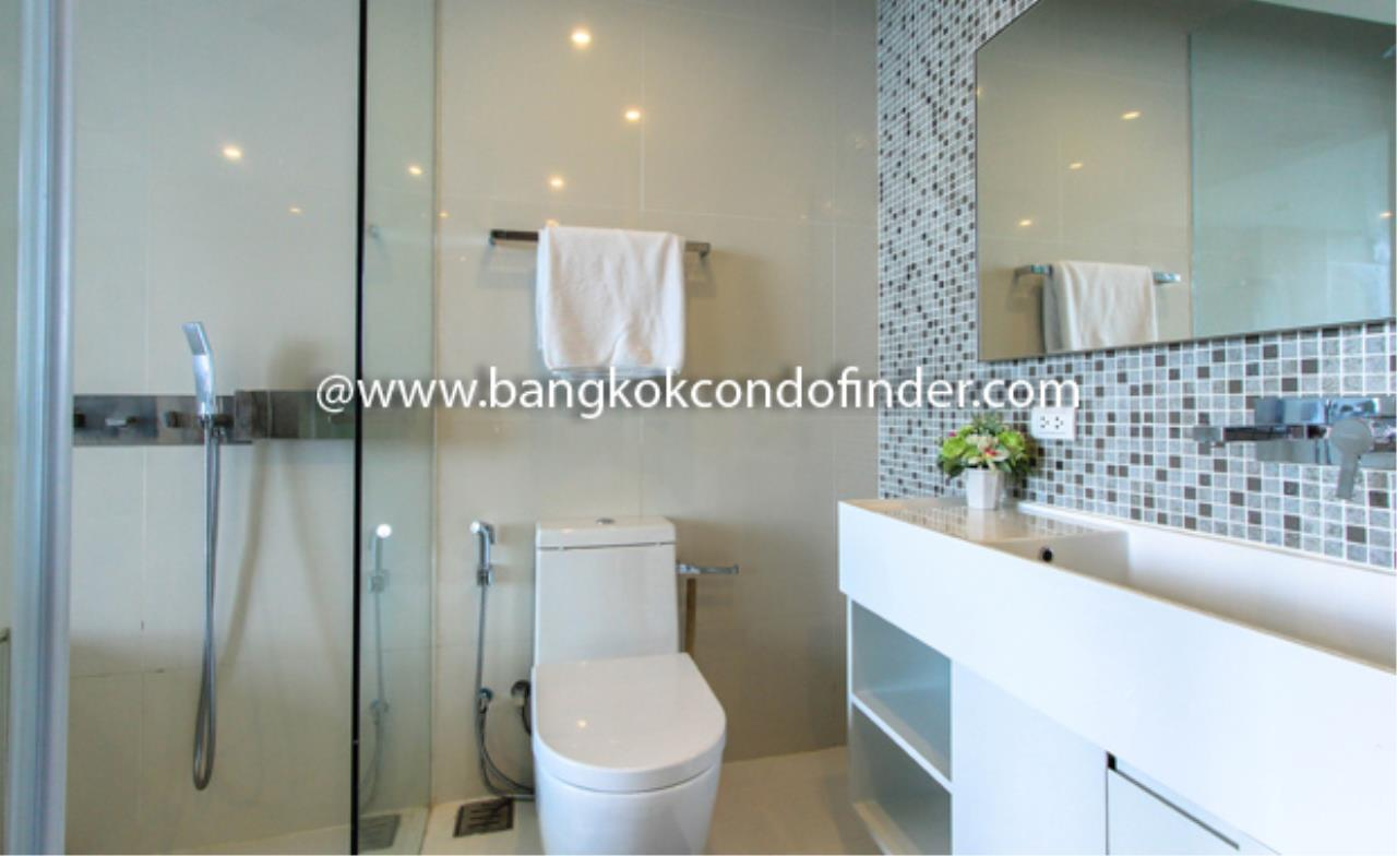 Bangkok Condo Finder Agency's The Room Sukhumvit 21 Condominium for Rent 3