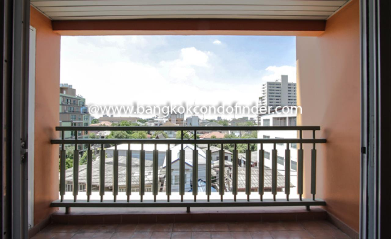 Bangkok Condo Finder Agency's Methvanont Manor Sukhumvit 50 Condominium for Rent 2