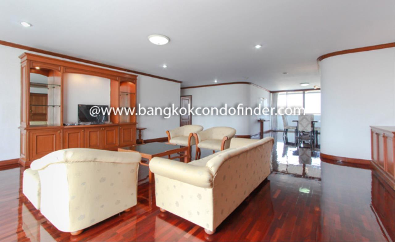 Bangkok Condo Finder Agency's Tipamas Mansion Sukhumvit 49-6 Condominium for Rent 1