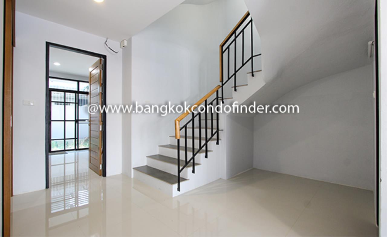Bangkok Condo Finder Agency's Moobaan Chicha Castle Townhouse for Rent 1