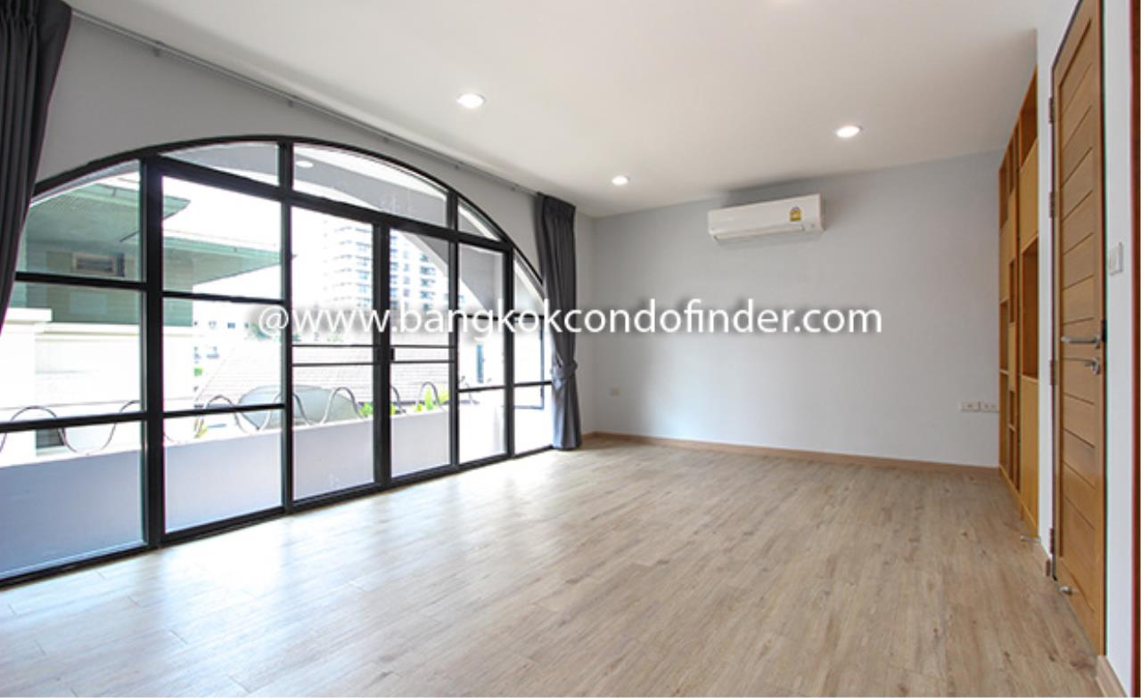 Bangkok Condo Finder Agency's Moobaan Chicha Castle Townhouse for Rent 10