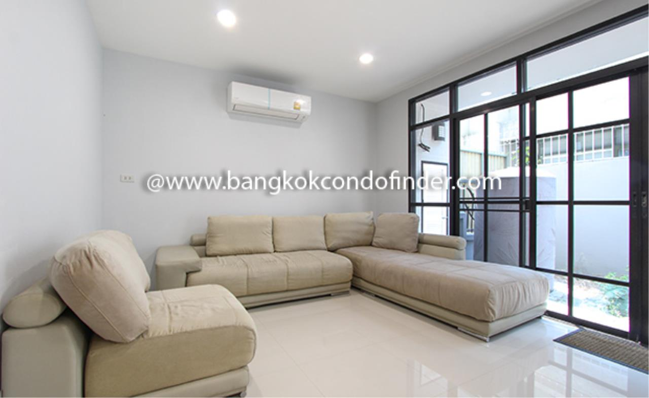 Bangkok Condo Finder Agency's Moobaan Chicha Castle Townhouse for Rent 2