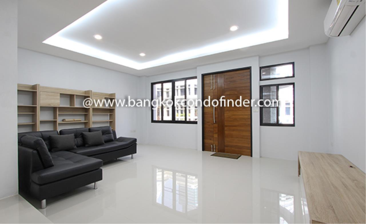 Bangkok Condo Finder Agency's Moobaan Chicha Castle Townhouse for Rent 3