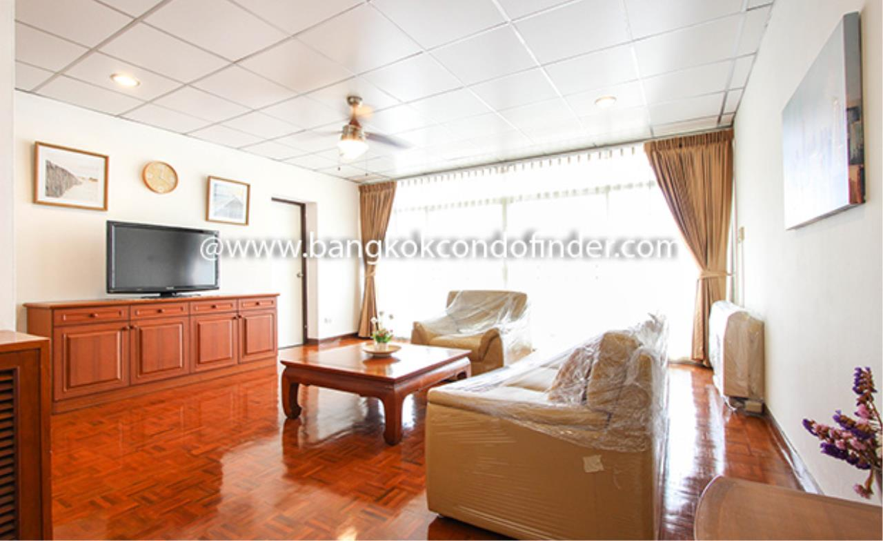 Bangkok Condo Finder Agency's Aramvej Apartment for Rent 1