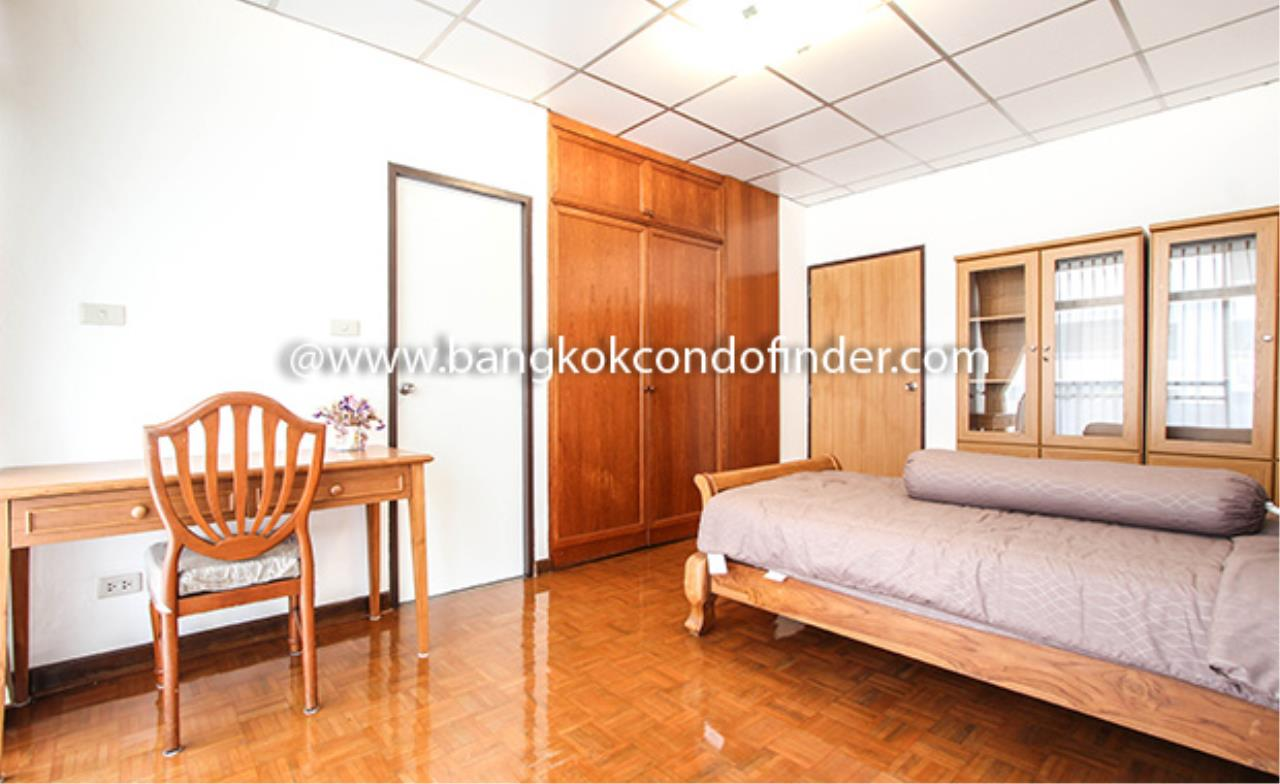 Bangkok Condo Finder Agency's Aramvej Apartment for Rent 16
