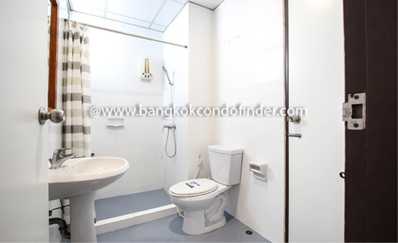 Bangkok Condo Finder Agency's Aramvej Apartment for Rent 18
