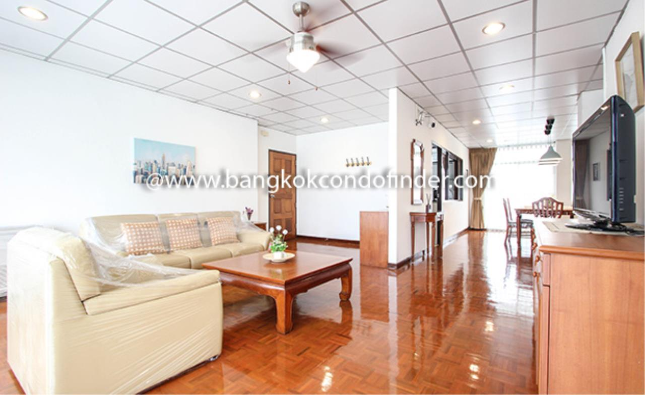 Bangkok Condo Finder Agency's Aramvej Apartment for Rent 3