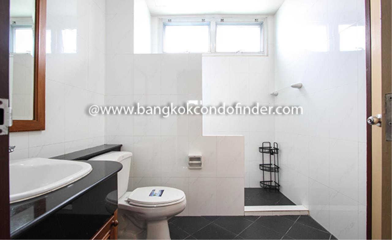Bangkok Condo Finder Agency's Aramvej Apartment for Rent 13