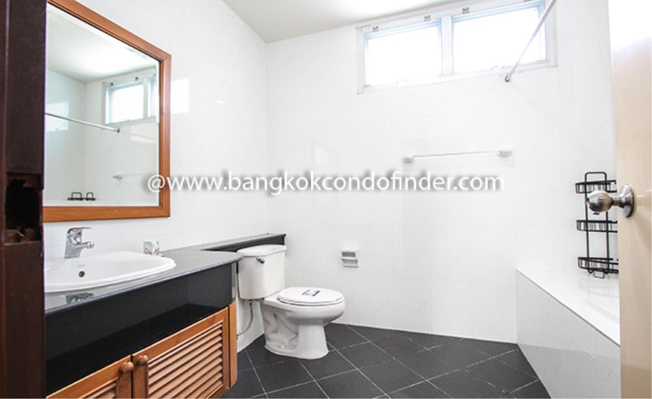 Bangkok Condo Finder Agency's Aramvej Apartment for Rent 9