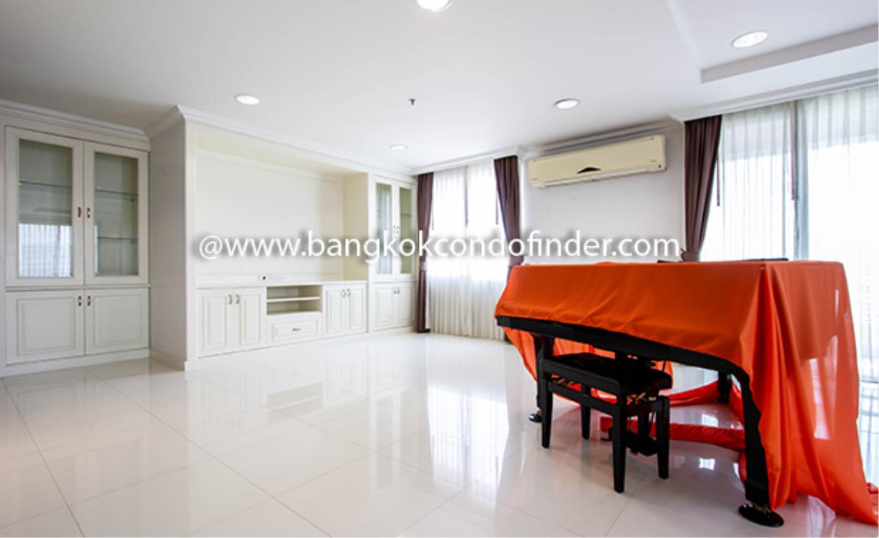 Bangkok Condo Finder Agency's Piyathip Place Apartment for Rent 2