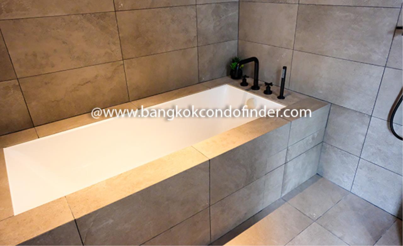 Bangkok Condo Finder Agency's The Lofts Asoke Condominium for Rent 9