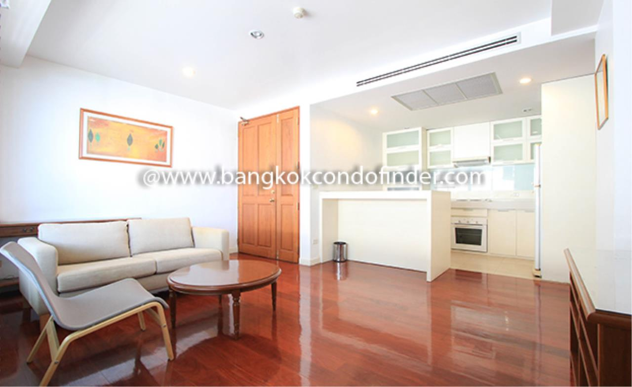 Bangkok Condo Finder Agency's Baan Thanon Sarasin Condominium for Rent 3