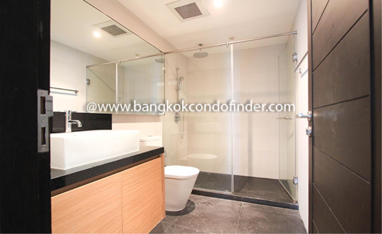 Bangkok Condo Finder Agency's Baan Thanon Sarasin Condominium for Rent 11