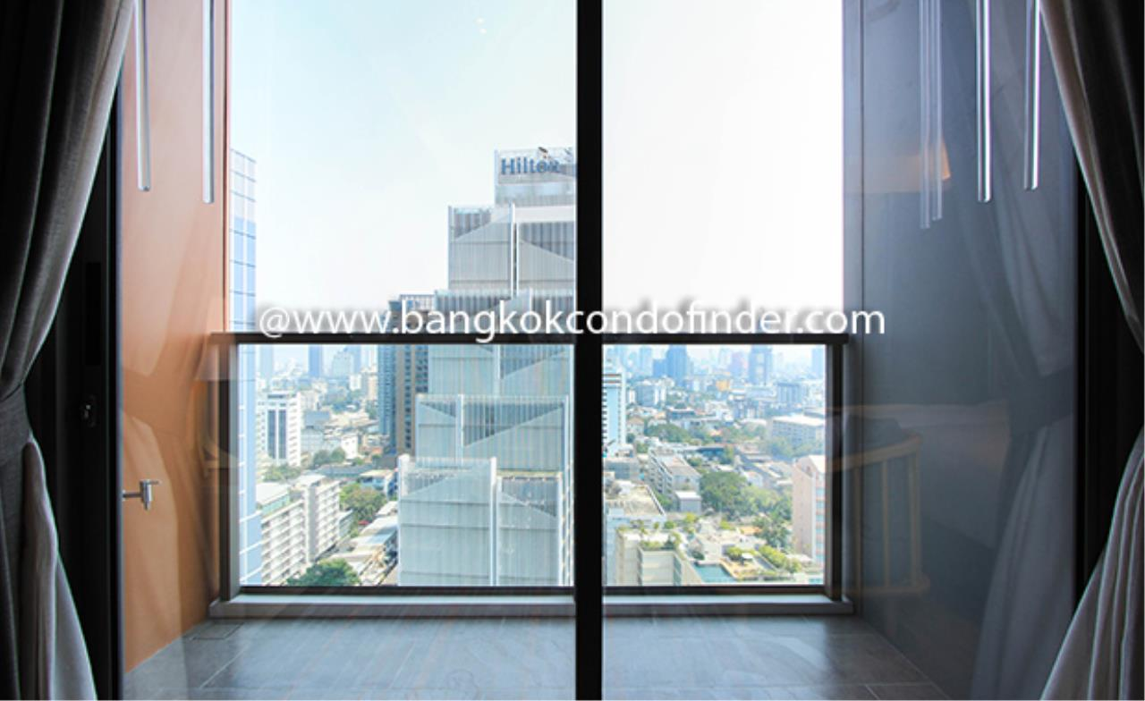 Bangkok Condo Finder Agency's Oakwood Suites Bangkok Serviced Apartment for Rent 8