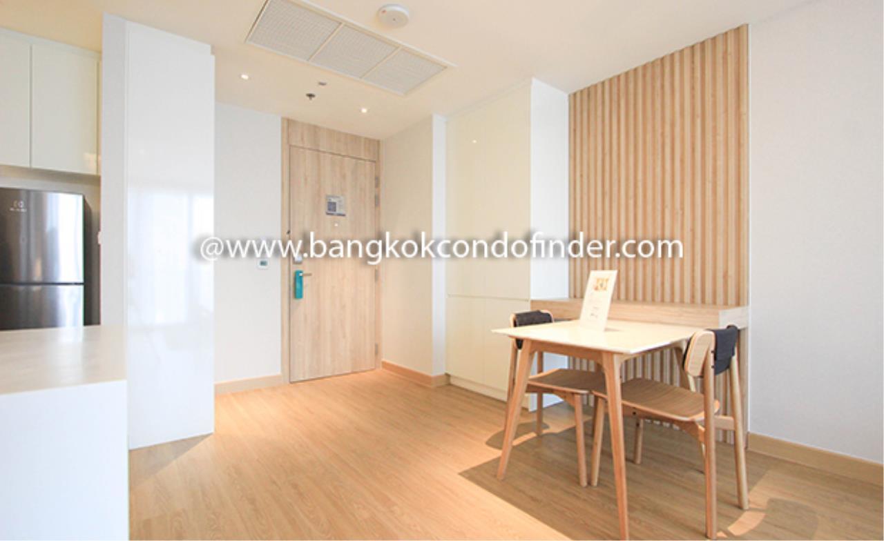 Bangkok Condo Finder Agency's Oakwood Suites Bangkok Serviced Apartment for Rent 2