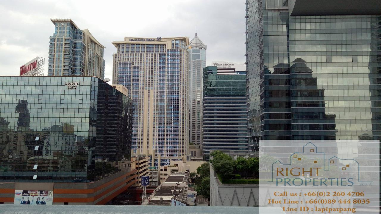 Right Properties Agency's Brand new luxurious building on Ploenchit. Private elevator, new furnishing. One minute away from Ploenchit BTS 9