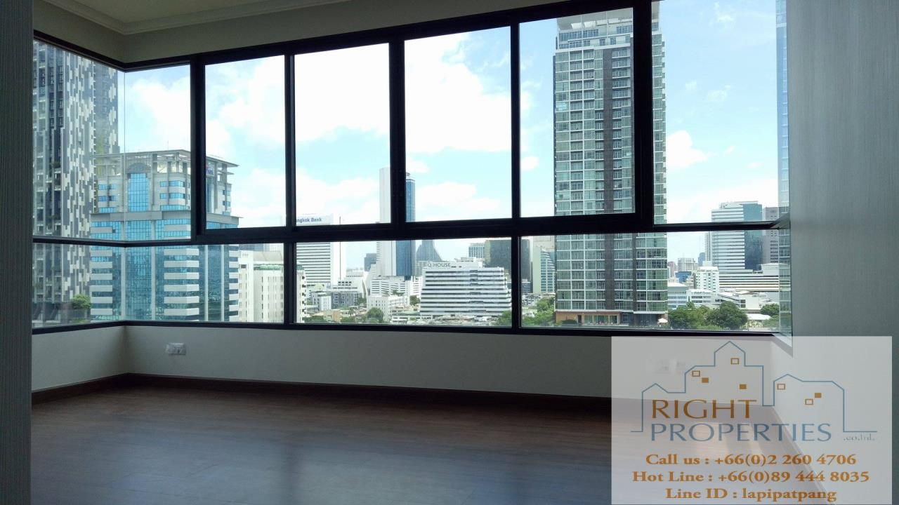 Right Properties Agency's Urgent sale!! Brand new project on Sathorn. Close to Convent road, BNH hospital. Great deal 6