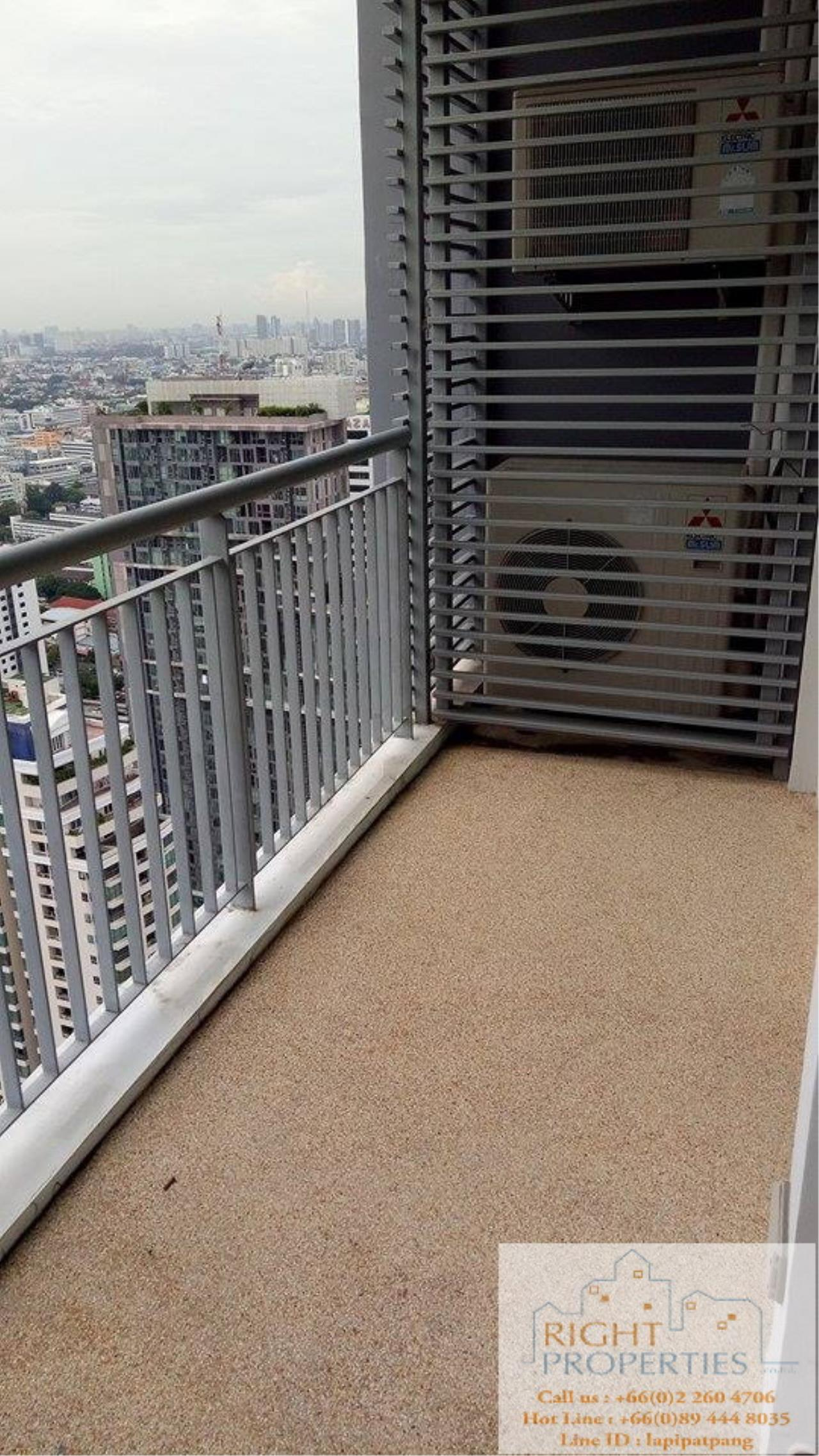 Right Properties Agency's Spectacular view 2 bedrooms on Phayathai. Still located on Sukhumvit BTS 7