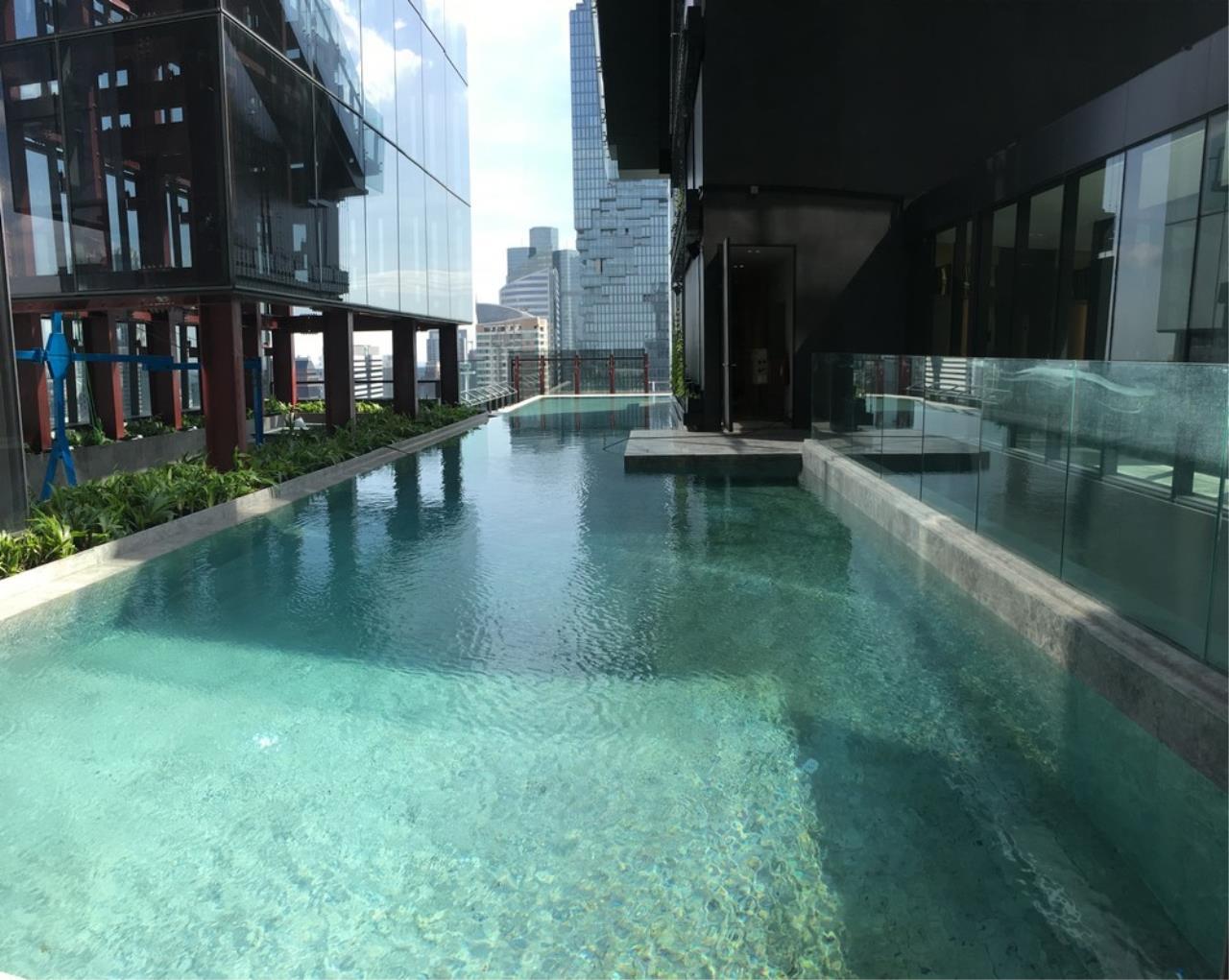 Agent - Chonticha Agency's Condo for sales ASHTON SILOM Corner Room 75.5 sqm 2 bed Chao Phaya River View 5
