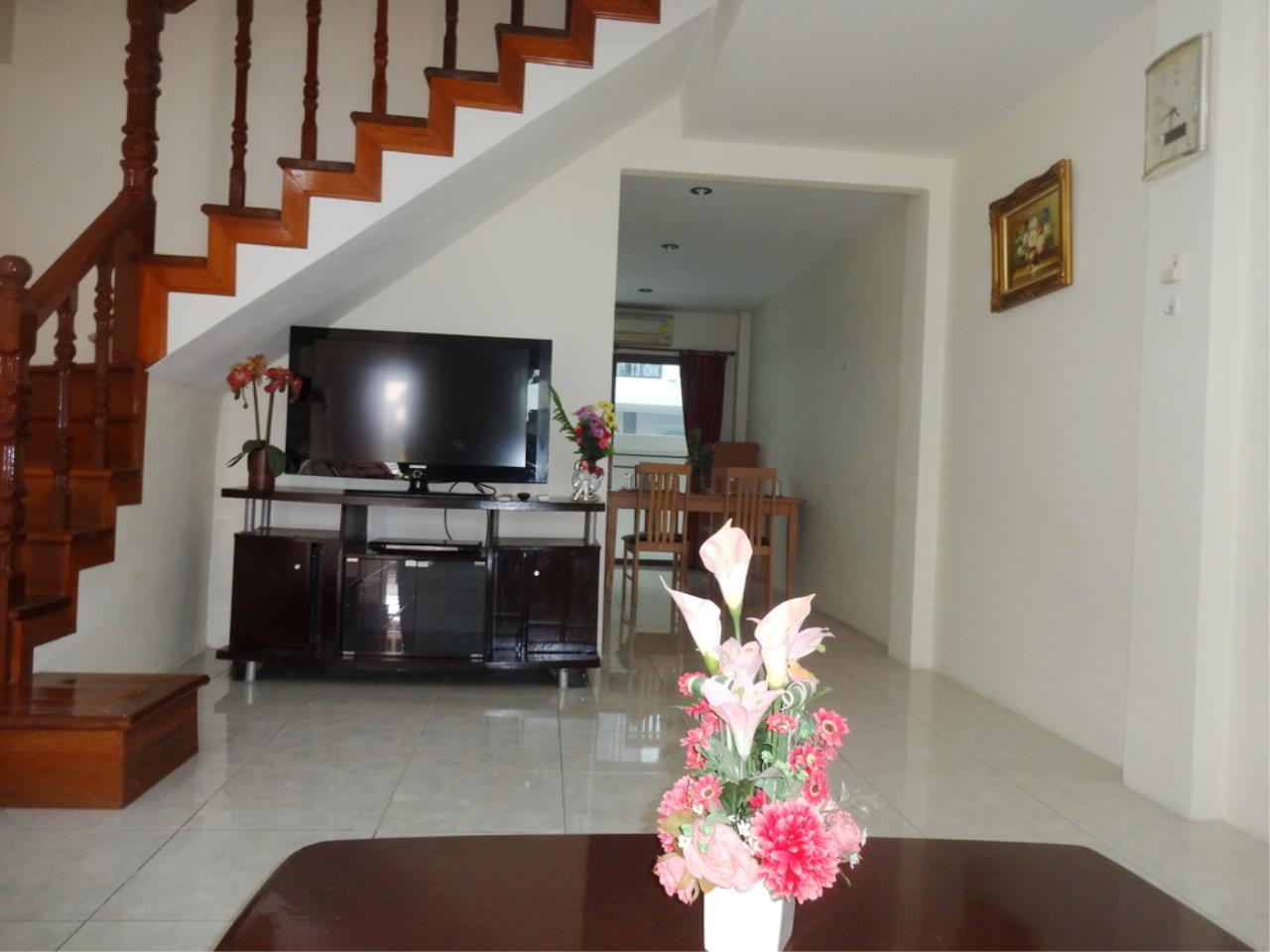 The 12 Real Estate Agency's Townhouse For Sale In Pratumnak  7