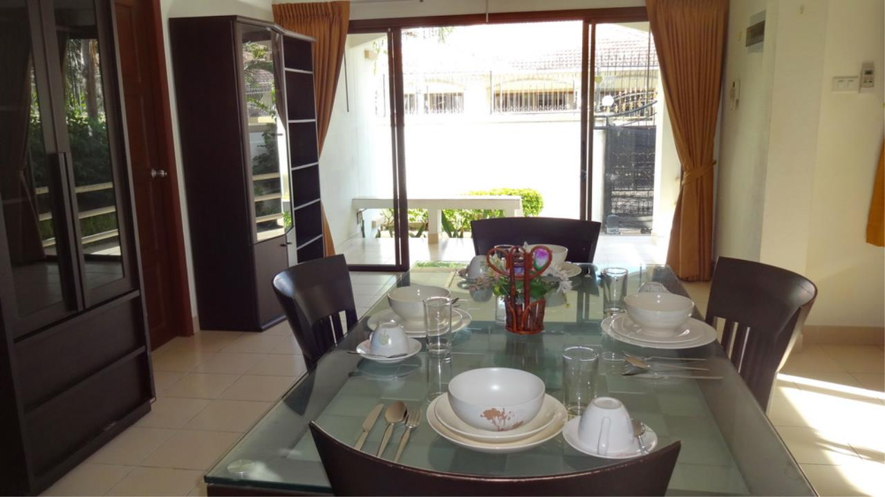 The 12 Real Estate Agency's Pool Villa Fore Sale In Jomtiem  7