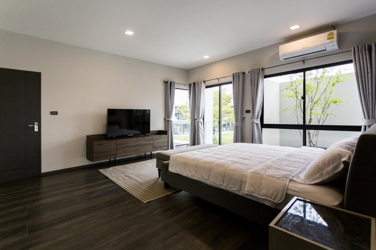 Hawk Eyes Property Bangkok Co.,Ltd. Agency's A single house, 3 bedrooms 3 bathroom + maid room 13