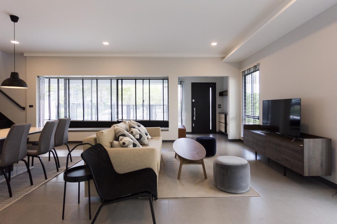 Hawk Eyes Property Bangkok Co.,Ltd. Agency's A single house, 3 bedrooms 3 bathroom + maid room 7