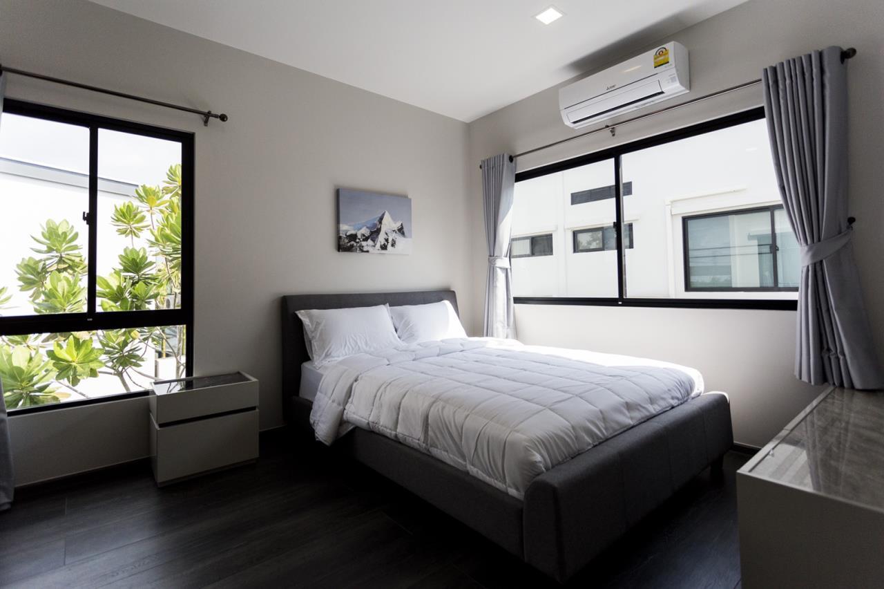 Hawk Eyes Property Bangkok Co.,Ltd. Agency's A single house, 3 bedrooms 3 bathroom + maid room 15