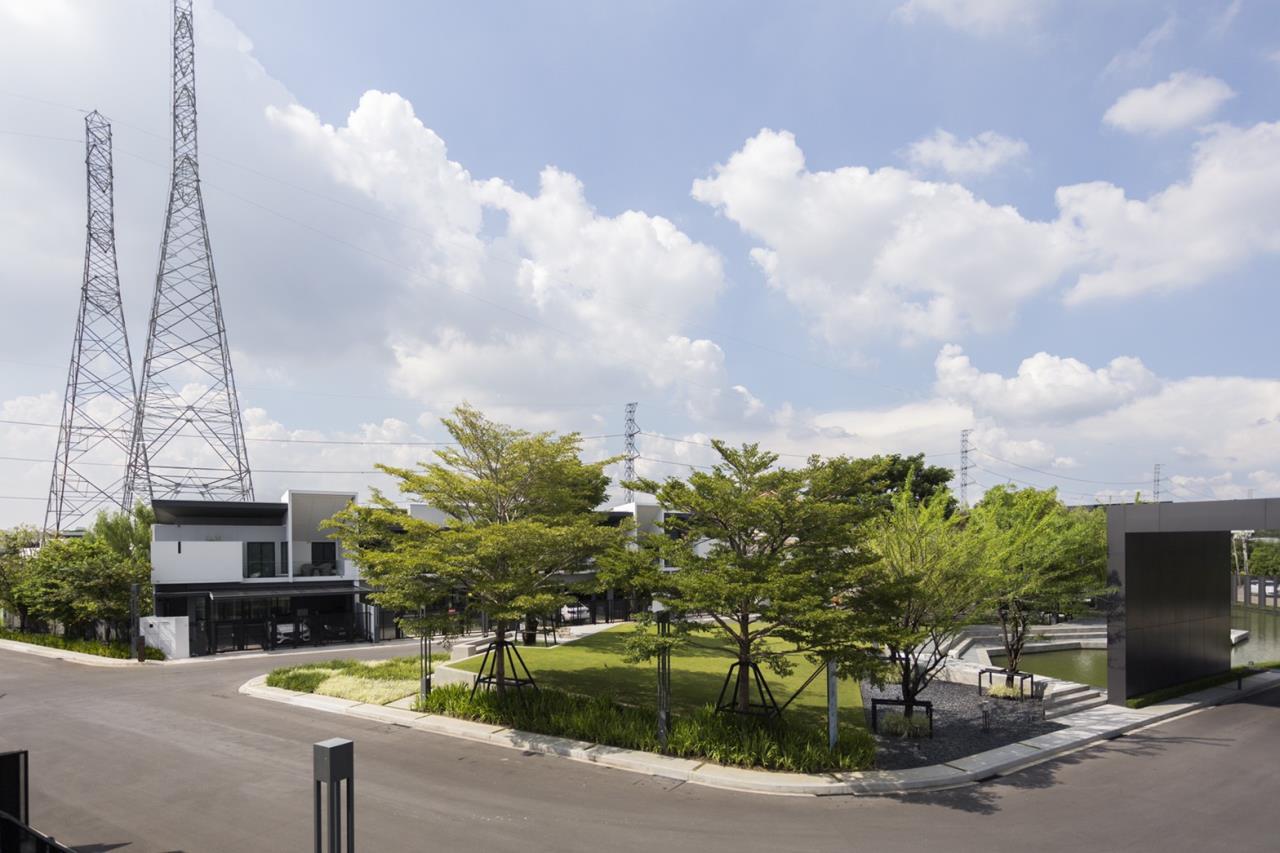 Hawk Eyes Property Bangkok Co.,Ltd. Agency's A single house, 3 bedrooms 3 bathroom + maid room 14