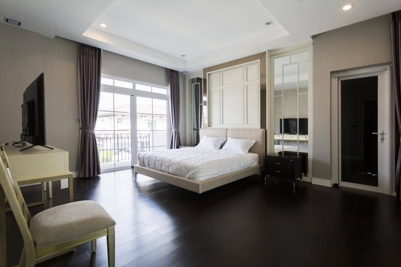 Hawk Eyes Property Bangkok Co.,Ltd. Agency's A luxury 4 bedrooms 5 bathrooms single house with fully furnish for rent in Bang Na k.m.7 11